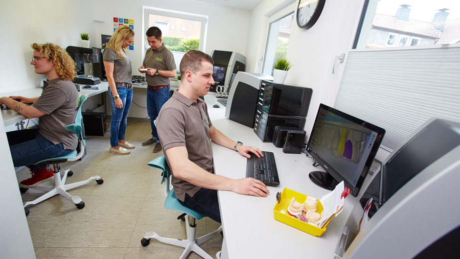 Die digitale Welt von EWERT Zahntechnik & Service
